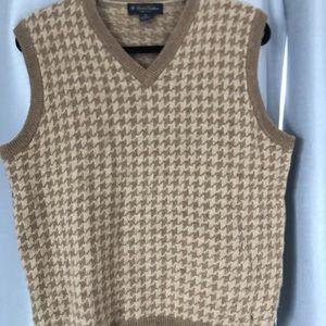 Brook brother vest like new